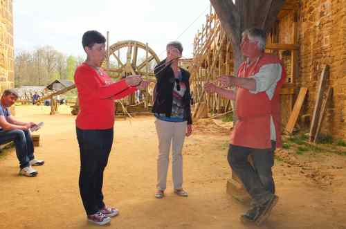ANIMATIONS LOISIRS 2015, GUEDELON 16 avril Corde à 13 noeuds - zoom